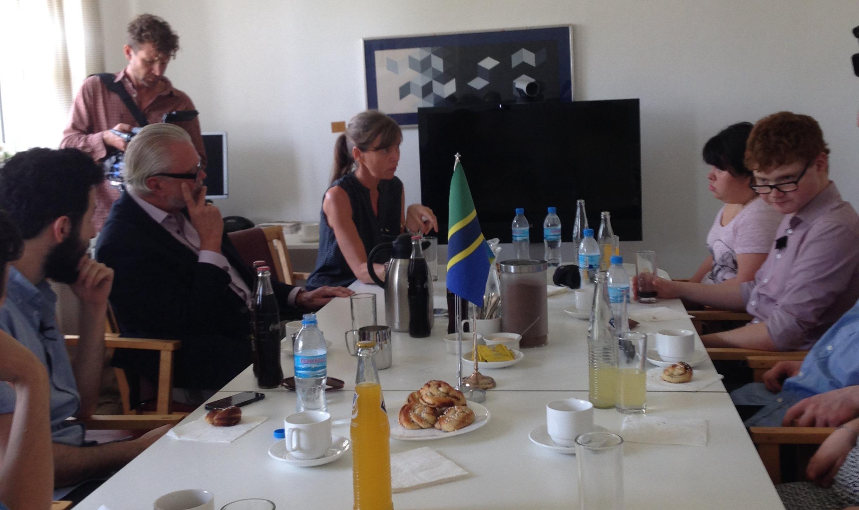 2015-03-05 Besök på Sveriges ambassad i Dar es Salaam