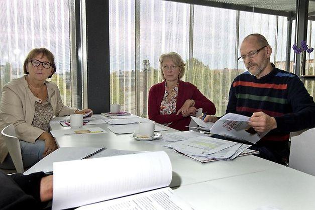 Monica, Karin och Willy samtalar med Hallands Nyheter