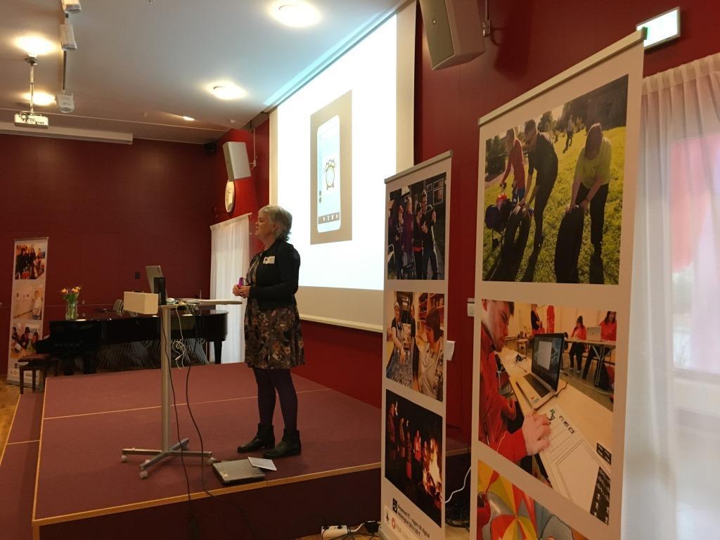 Kerstin Gatu berättar om kursen som projektet Anpassad IT gjort.