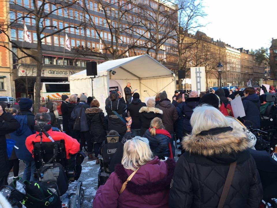 Bengt Westerberg talade på Assistans är frihet! Rädda LSS!-manifestationen i Stockholm 3 december 2016