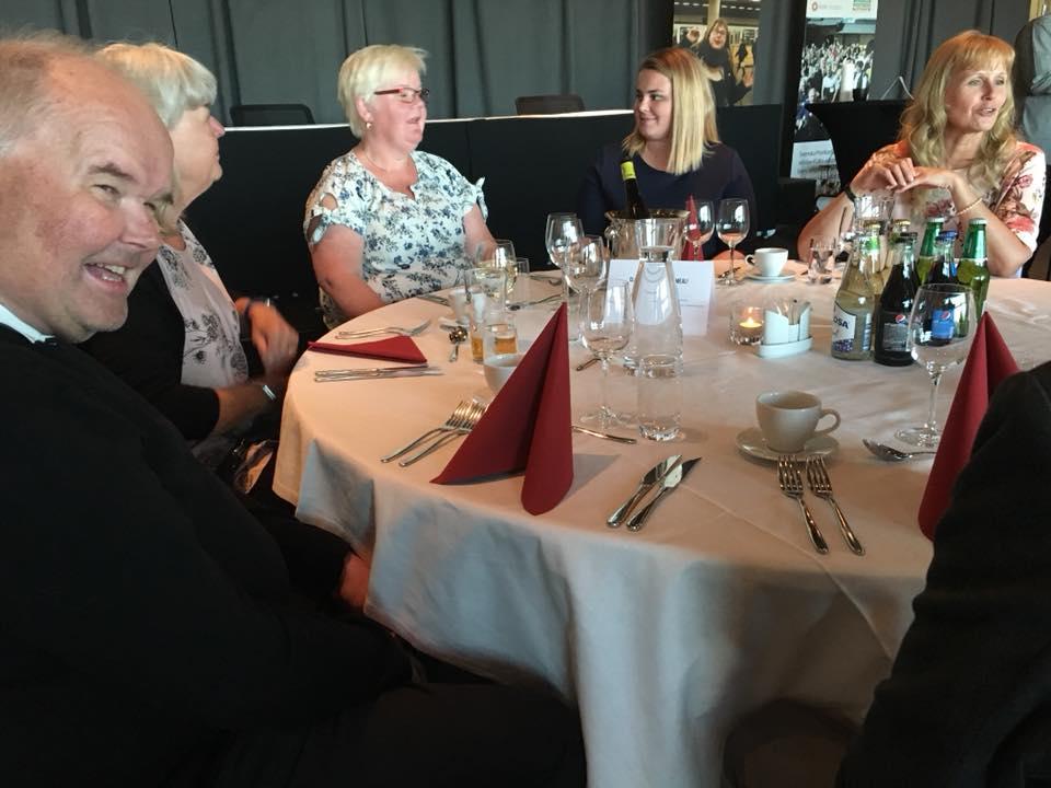 FUB:s förbundsstämma 2018 några av deltagarna vid middagsbordet