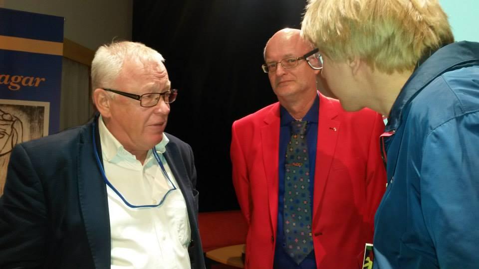 Guy Lööv representerade Socialdepartementet, på bilden med Thomas Jansson och en deltagare på Intradagarna 2015
