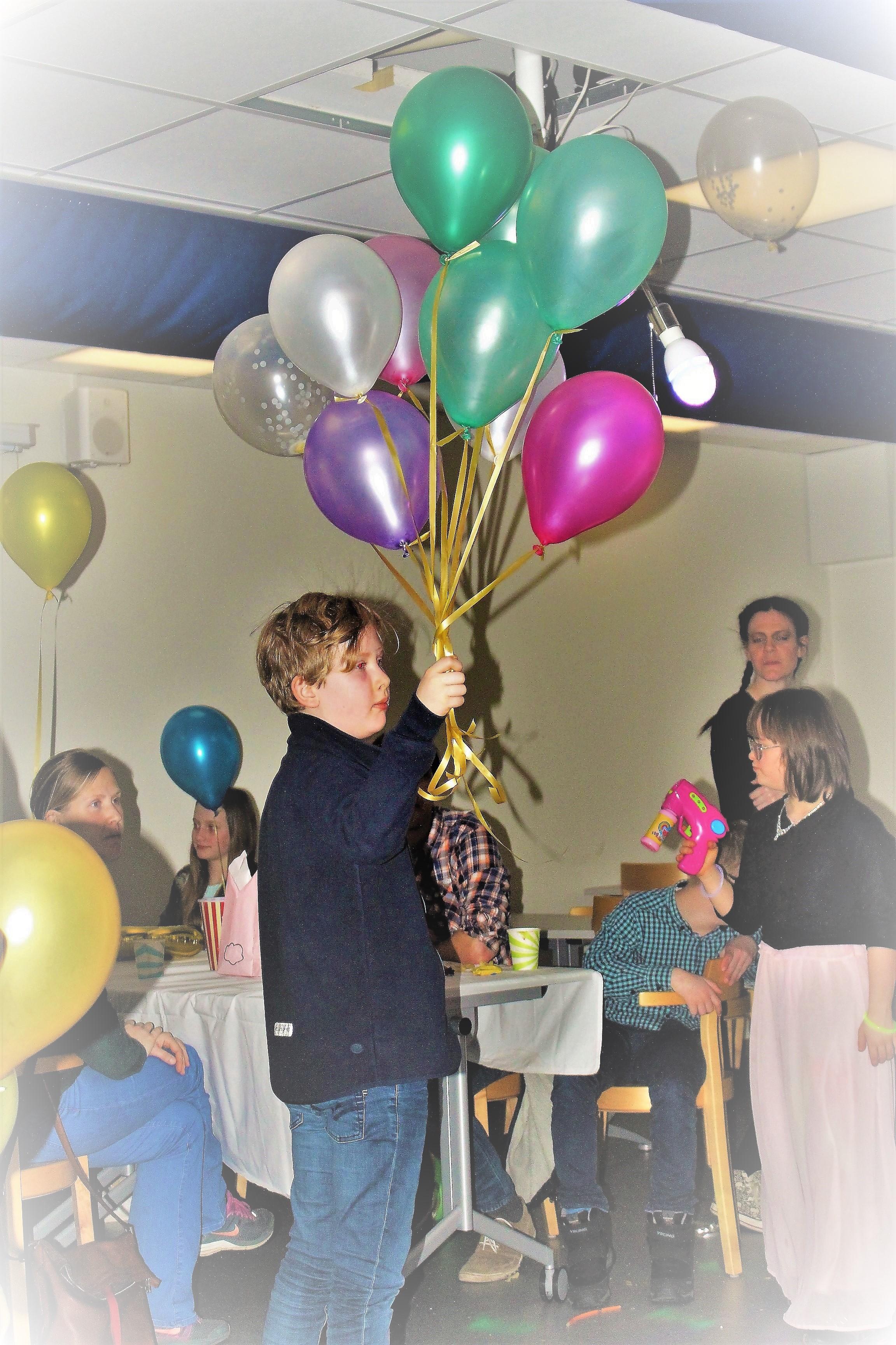 Pojke med ballonger