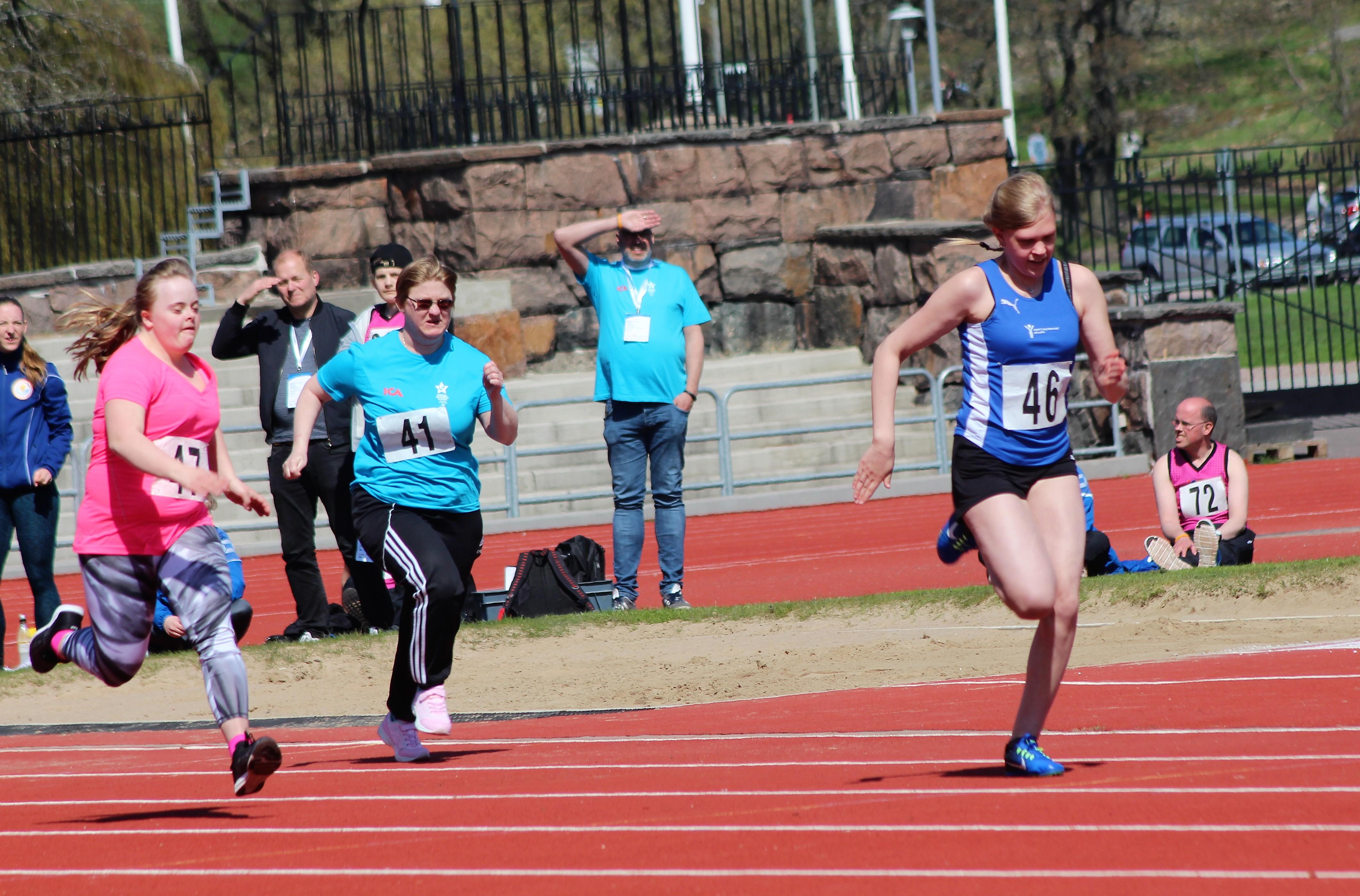 Kristine springer 100 meter