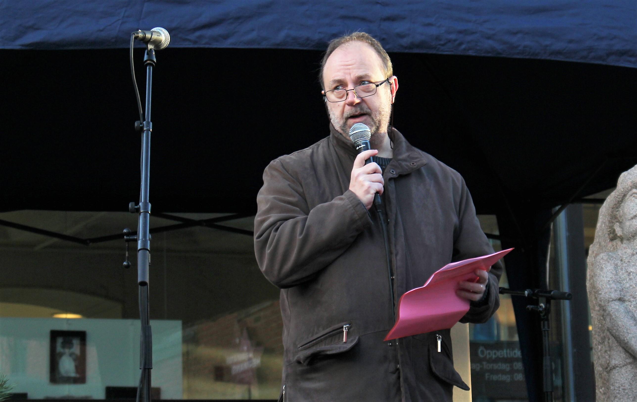 Mikael Hallberg, Vänsterpartiet talar