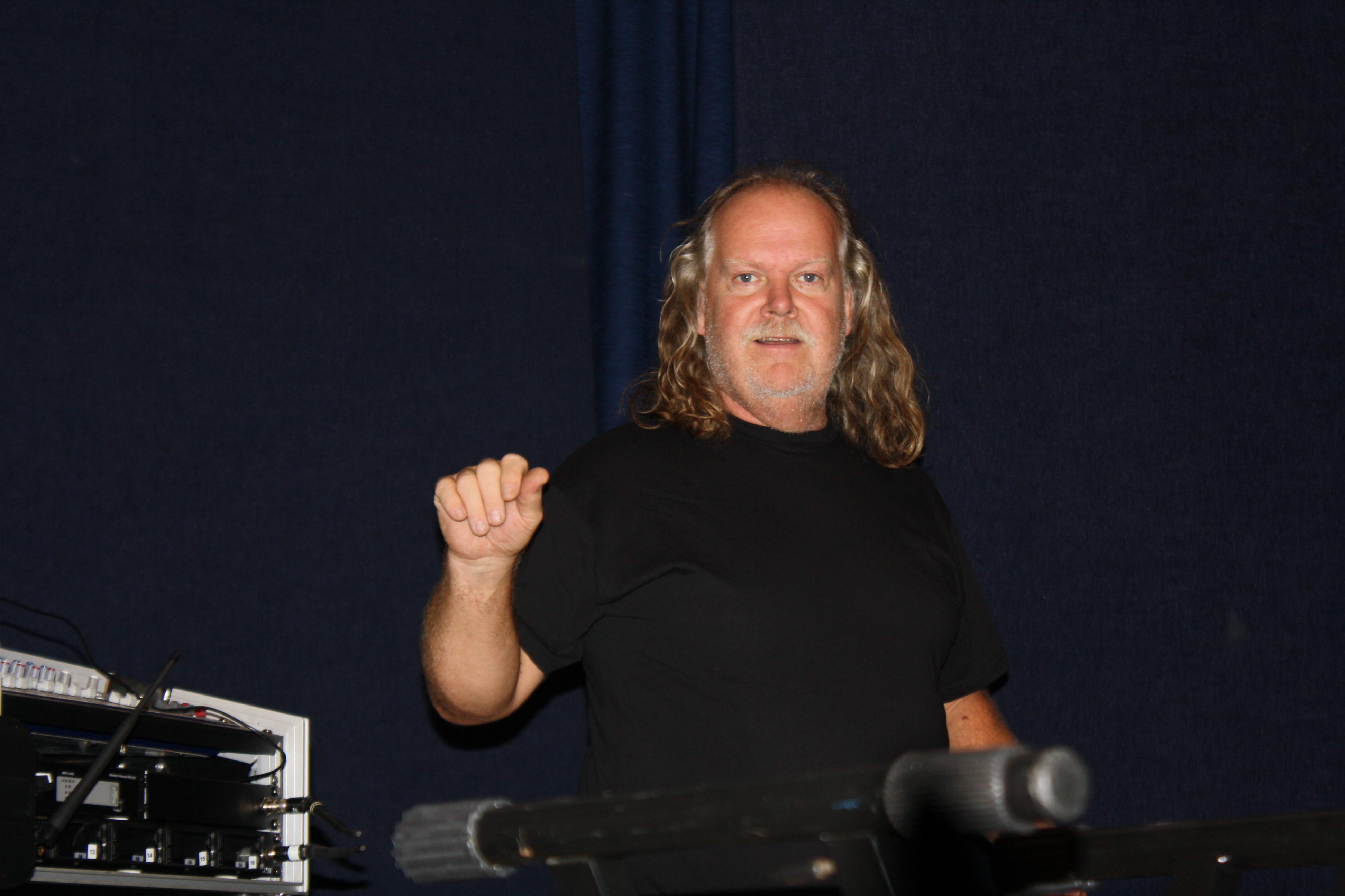 Christer Borg laddar inför kvällens spelning