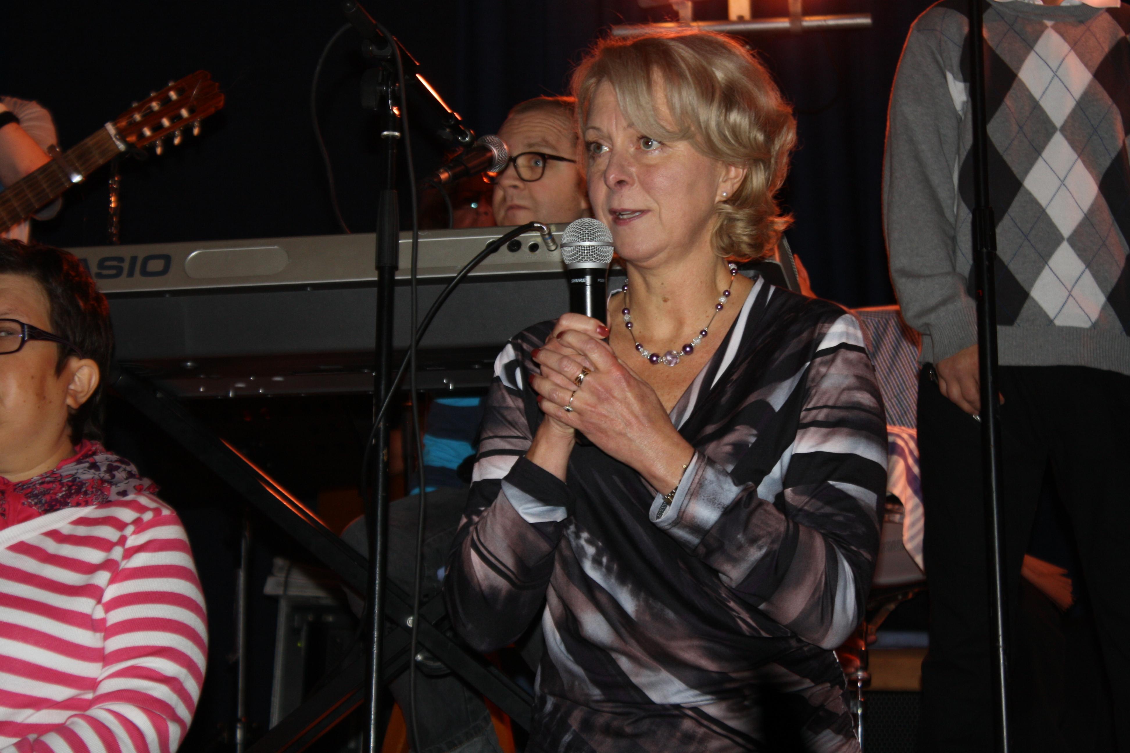 Ordförande Karin Borgström hälsar alla välkomna