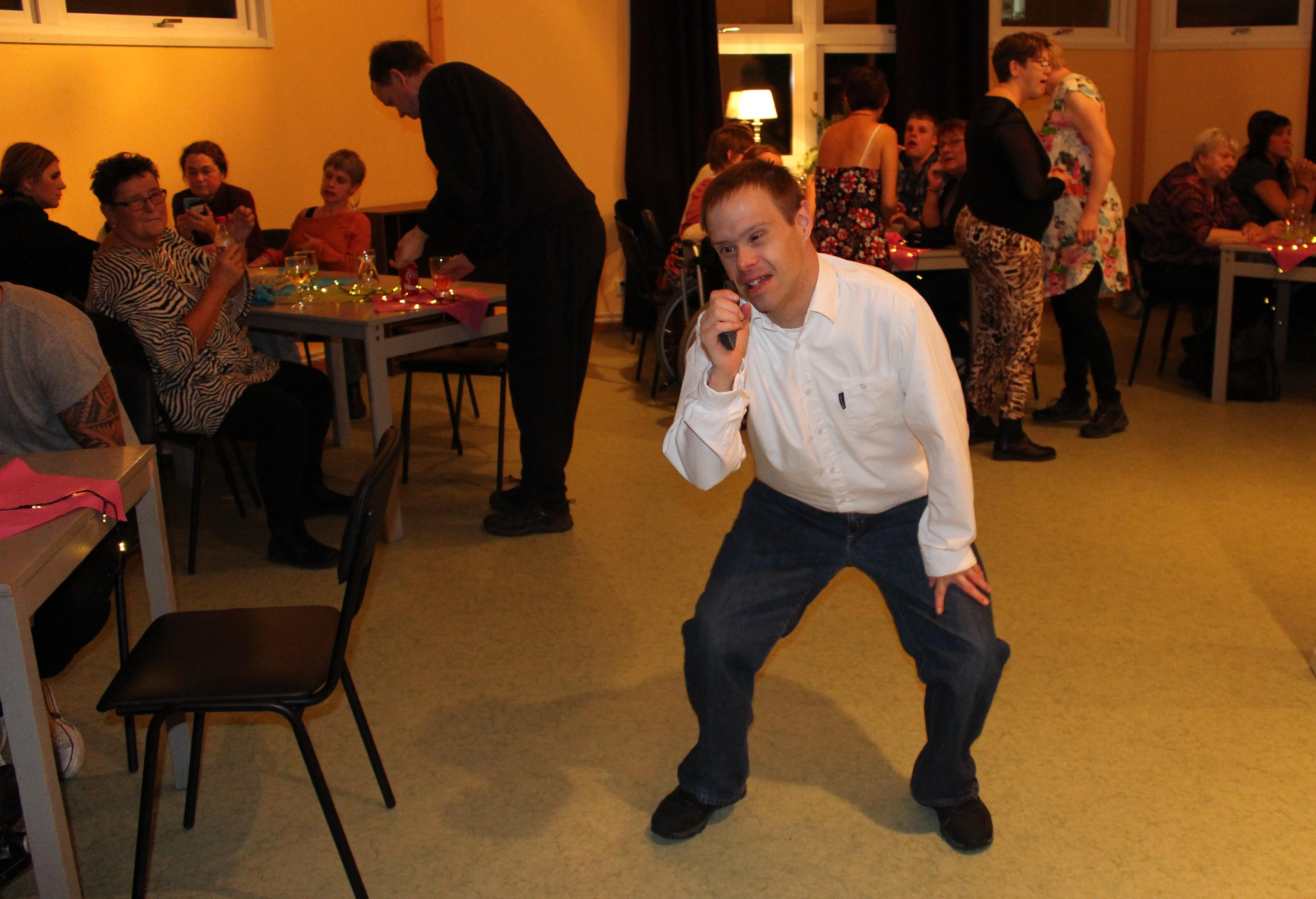 Tomas dansar