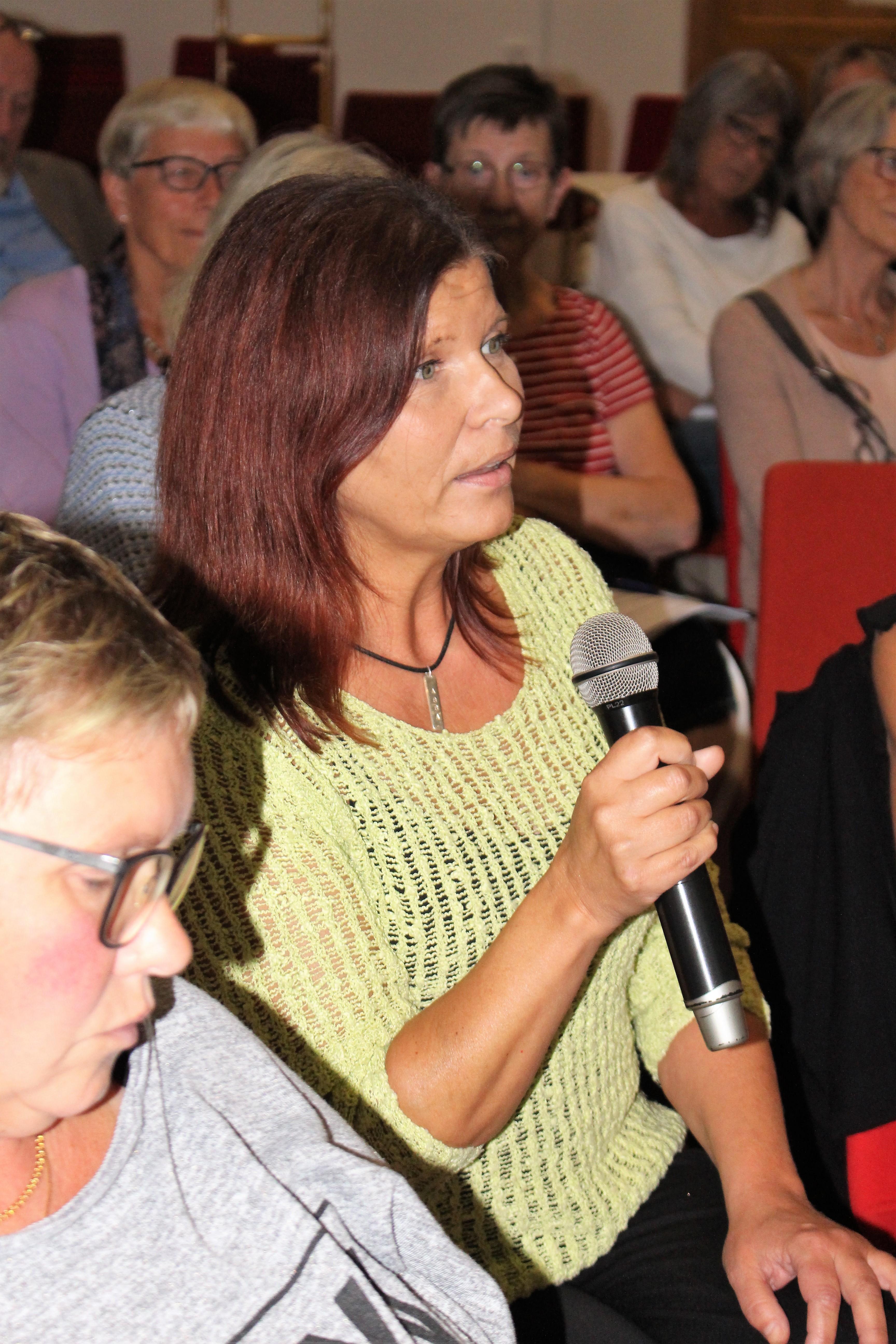 Deltagare som ställer frågor