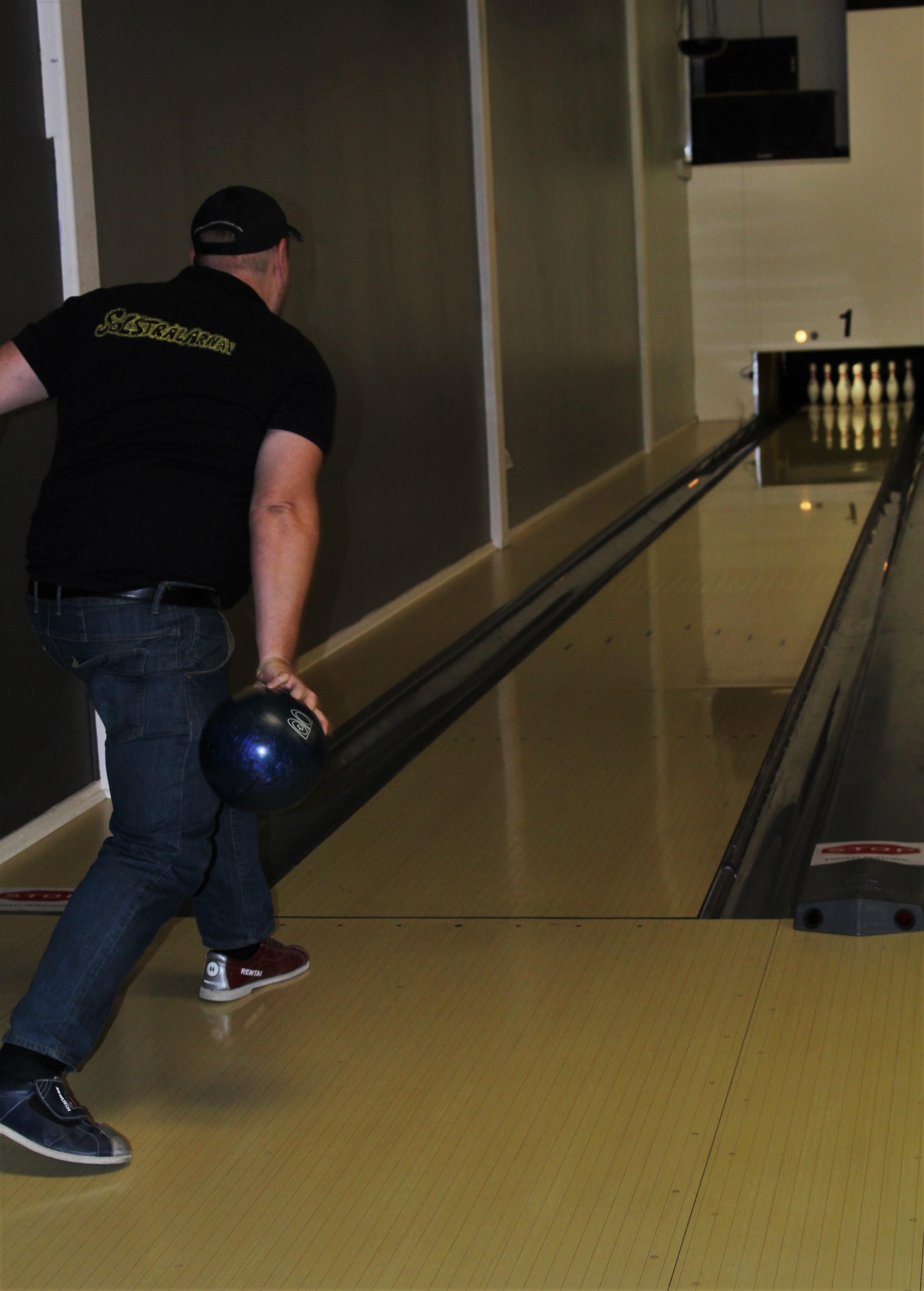 Sven är en duktig bowlare