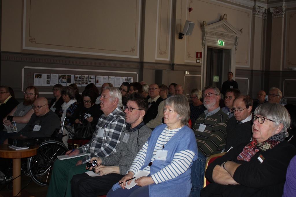 Över 70 deltagare från Västra Götaland, Värmland och andra delar av landet på FUB:s LSS-dag i Skövde.