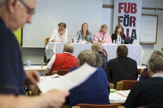 Emma Henriksson och övriga i presidiet på förbundsstämman 2014